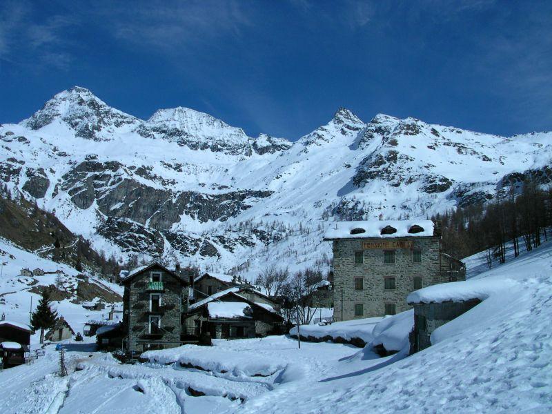 Il villaggio di Cheneil in inverno