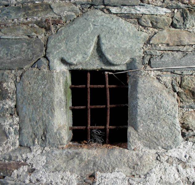 Architettura rurale valdostana le pi belle finestre della for Casa di architettura gotica
