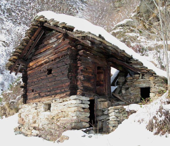 escursione invernale alle case rurali di piatolet di perloz