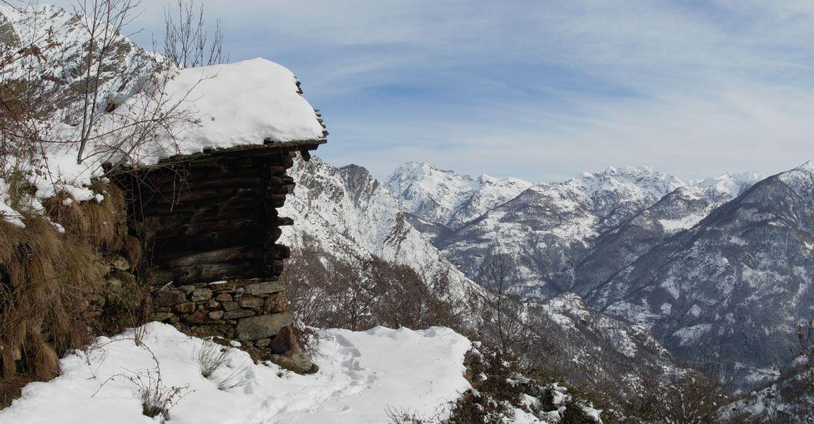 Escursione invernale alle case rurali di piatolet di perloz - Su di esso si esce da una porta finestra ...