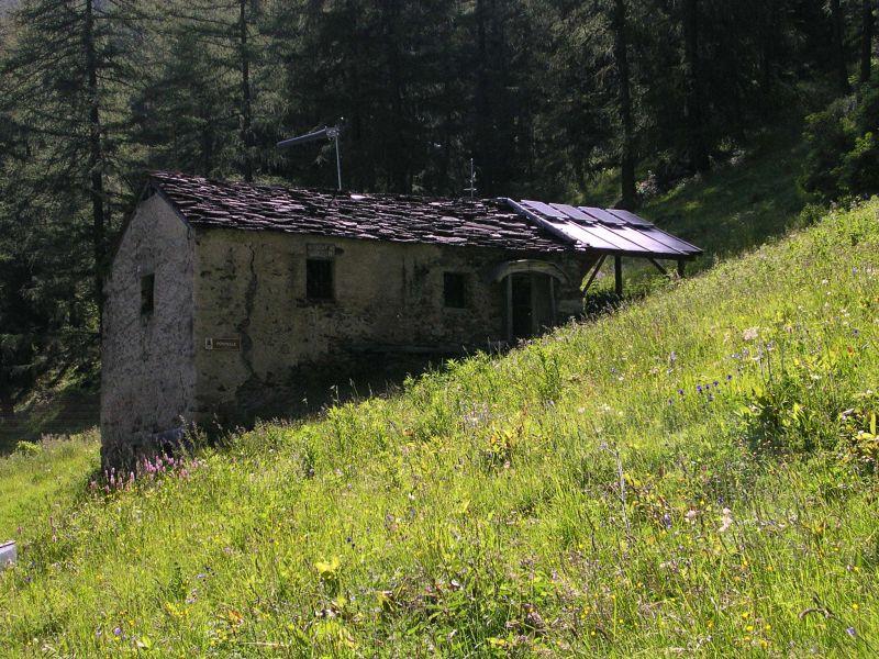Escursione nella conca di combo da reverier for Cabine nere del torrente