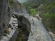 Tratto scalpellato nella roccia viva del Ru Pompillard - Valpelline