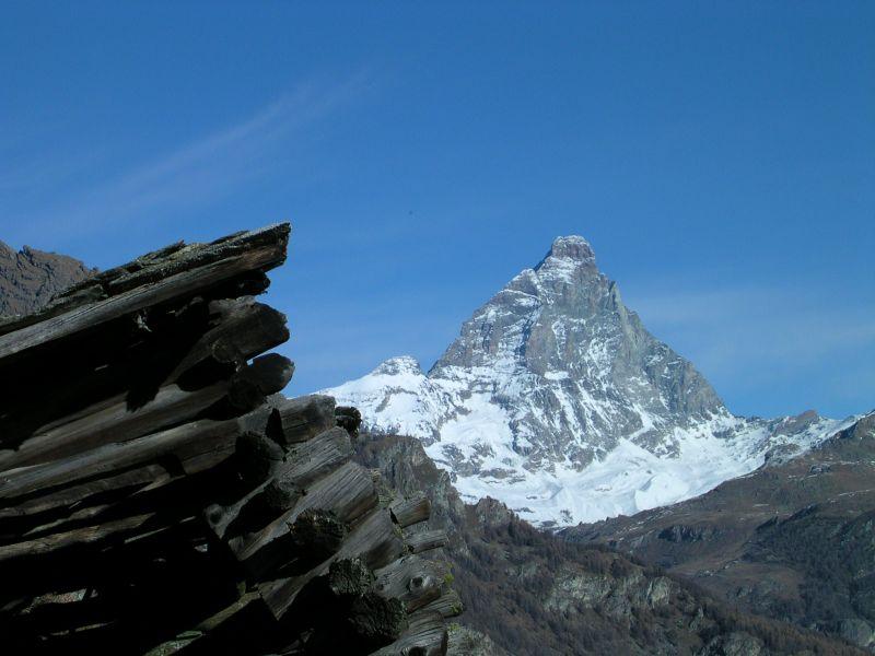 Il Monte Cervino e il rascard di Perteille